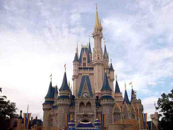 cindyrellas_castle_magic_kingdom_abcplanet