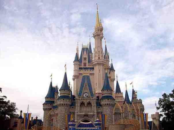 cindyrellas_castle_magic_kingdom_abcplanet