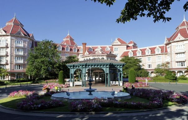 Disneyland-Hotel-Paris-01