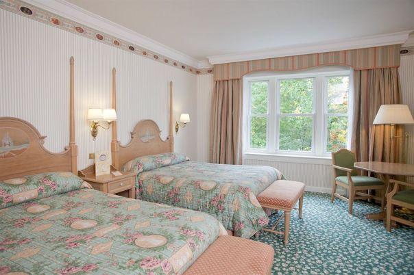 Disneyland-Hotel-Paris-02