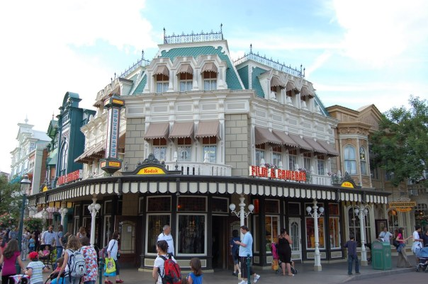 Town-Square-Photography-Disneyland-Paris-01