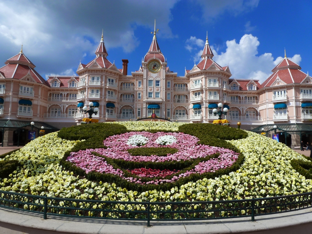 A Sent Bon Le Printemps Disneyland Paris Disneyland