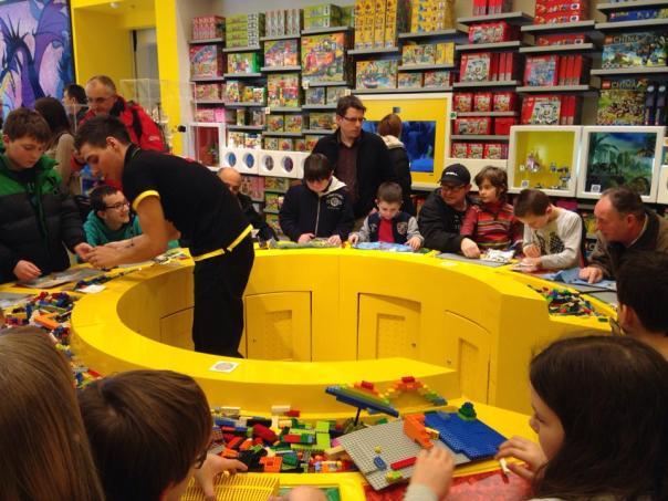 Lego-store-160