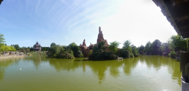 480396LacFrontierland1
