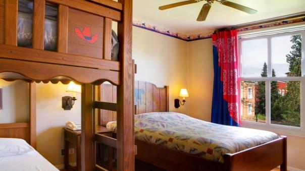 n013258_2019jun01_cheyenne-hotel-standard-room_16-9