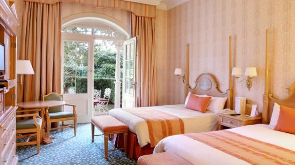 n016154_2021feb15_disneyland-hotel-standard-double-room-terrace_16-9