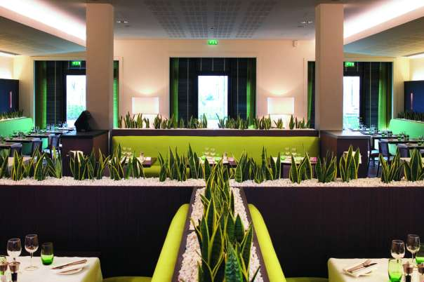 525978_960_700_FSImage_0_Restaurant_04_PARZD.jpg