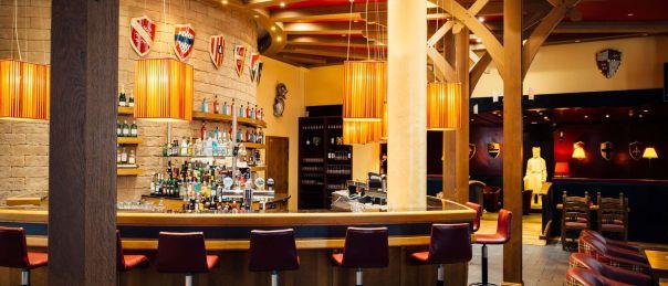 csm_dream-castle-paris-bar_9fa8dfb582.jpg