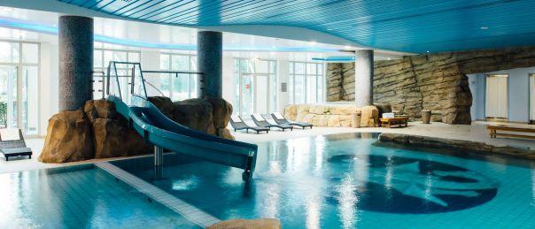 csm_dream-castle-paris-pool_f0a9b791c0.jpg