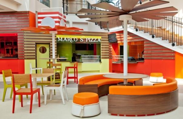 hotel-explorers-disneyland-paris-marcos-pizza.jpg