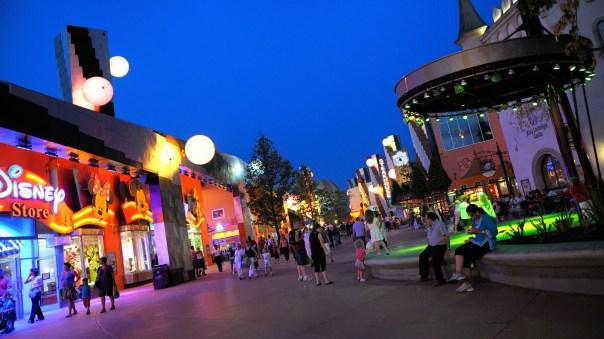 Passer-la-soirée-au-Disney-Village.jpg