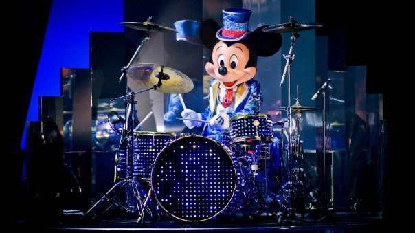 n027218_2024nov09_world_mickey-christmas-big-band-show-2017_16-9.jpg