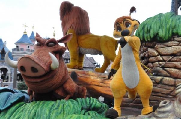 disney-spring-parade-magie-roi-lion-2-620x411.jpg