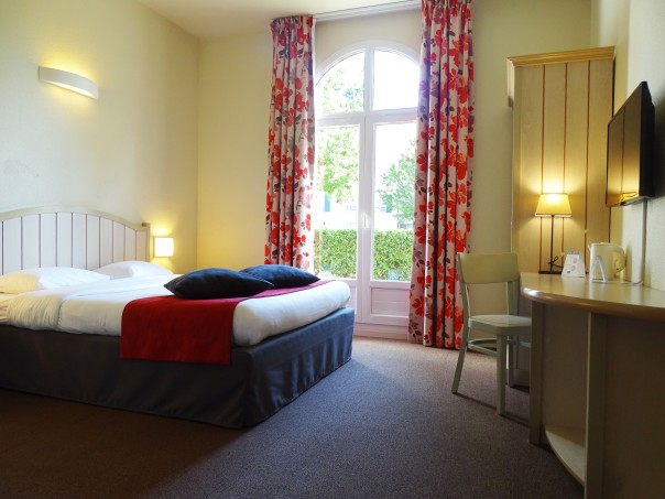 Campanile Disney - Double room.jpg