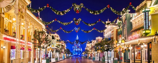 christmas-lights-decorations-main-street-usa